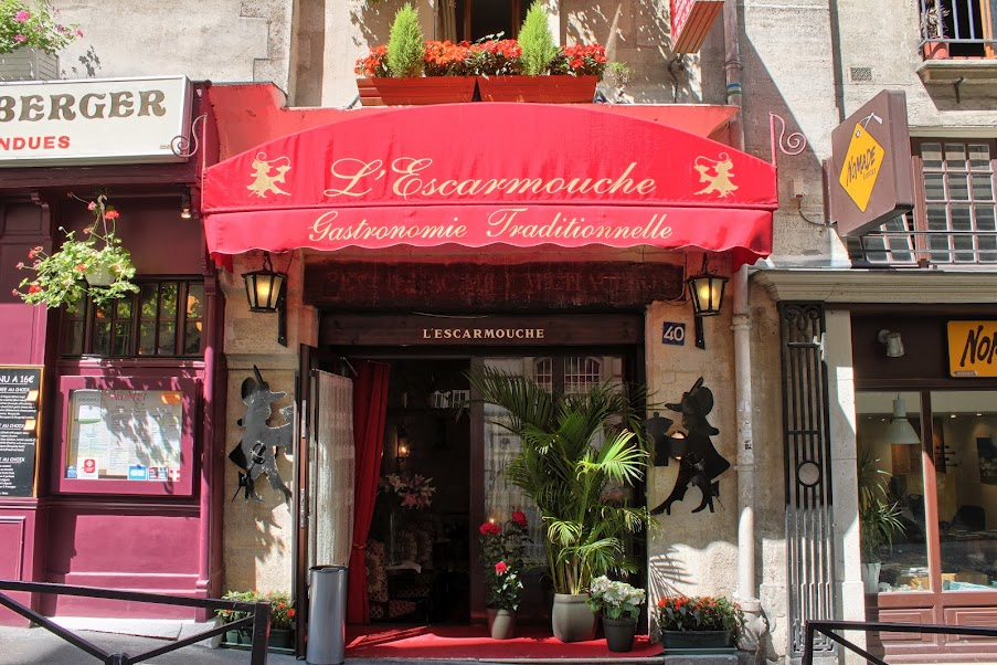 Entrée restaurant groupe Paris L'Escarmouche